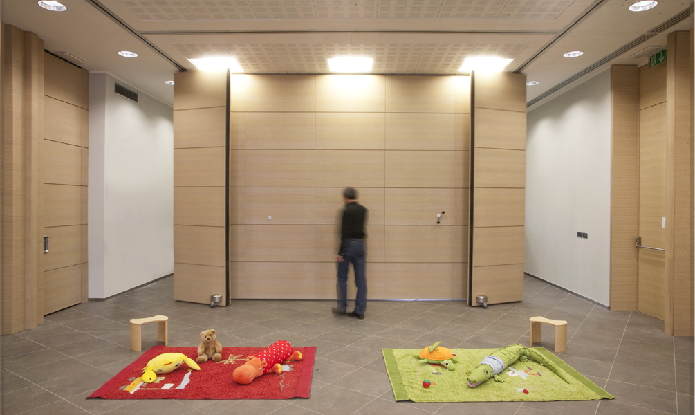 Movable push partition walls anaunia House with movable walls